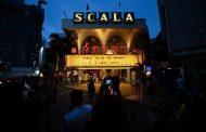 مسرح لا سكالا في بانكوك يقدم آخر عروضه قبل إغلاقه